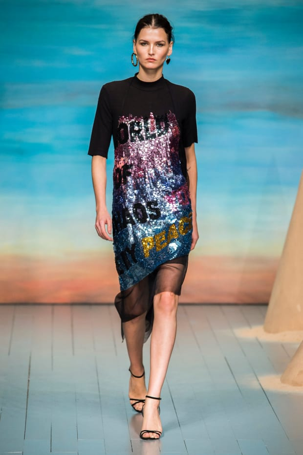 0fbe3036bc8 7 Breakout Trends From London Fashion Week Spring 2019 - Fashionista