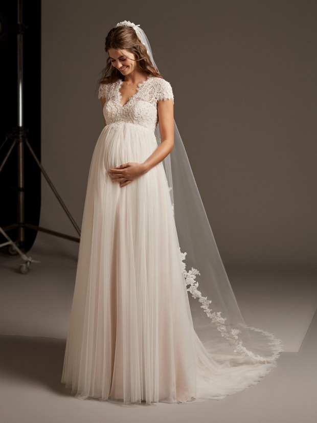 How To Find The Perfect Wedding Dress For You And Your Baby Bump