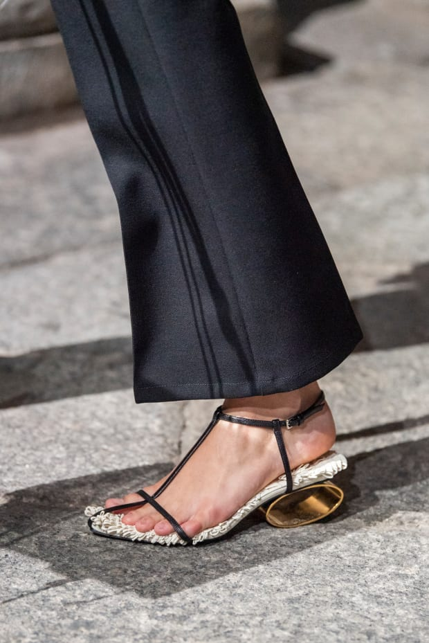 Sandals 2020 Trends.Fashionista S 33 Favorite Shoes From Paris Fashion Week For