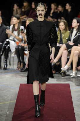 Givenchy RF15 4427.jpg