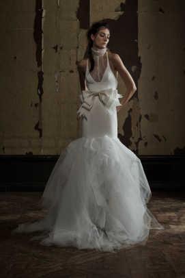 vera-wang-high-neck-dress-bridal-spring-2016.jpg