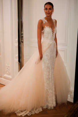 monique-lhuillier-overlay-gown-bridal-spring-2016.jpg