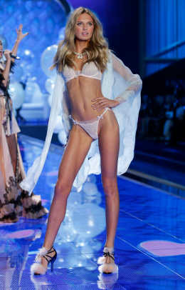 new-vs-angels-2015-supermodel-romee-strijd-holland-victorias-secret-hi-res.jpg