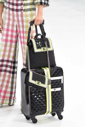 Chanel clp M RS16 2728.jpg