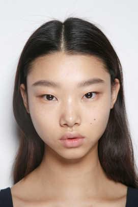 8_1_Yoon Young Bae Victoria Beckham bks I RF17 0024