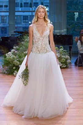 How Much Is A Monique Lhuillier Wedding Gown 45 Lovely Monique Lhuillier Bridal FW