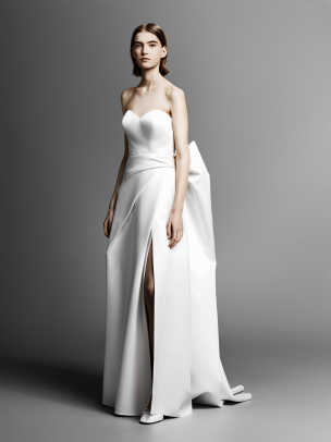 viktor-and-rolf-mariage-strapless-bow-wedding-dress-spring-2019