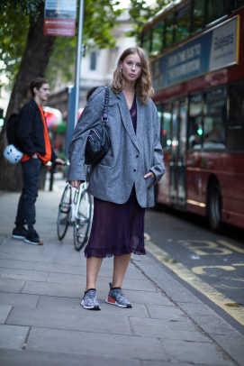1-london-fashion-week-spring-2018-street-style-day-5