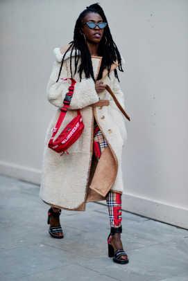 london-fashion-week-street-style-fall-2018-day-2-77