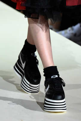 comme-des-garcons-fall-2018-sneakers