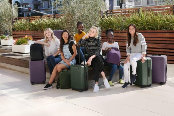 karlie-kloss-coding-away-luggage-1