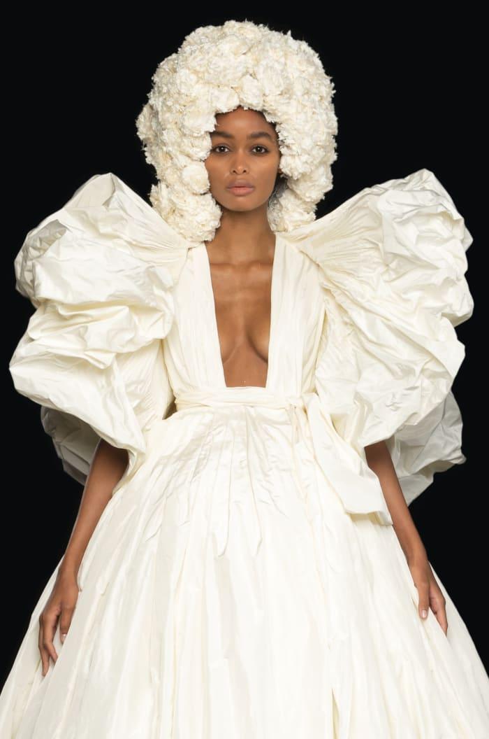 Valentino Alta Costura Outono 2020 Lede