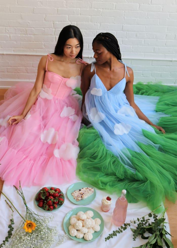 Vestidos da coleção Cinderela de Lirika Matoshi.