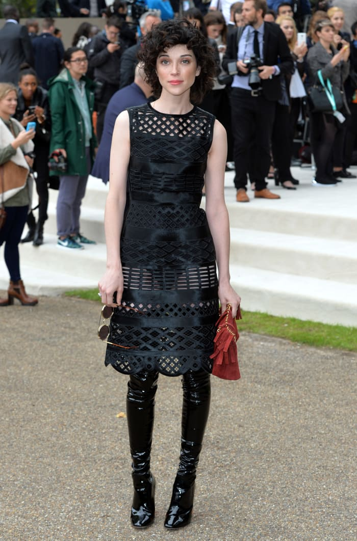 Great Outfits in Fashion History: St. Vincent in All-Black Burberry