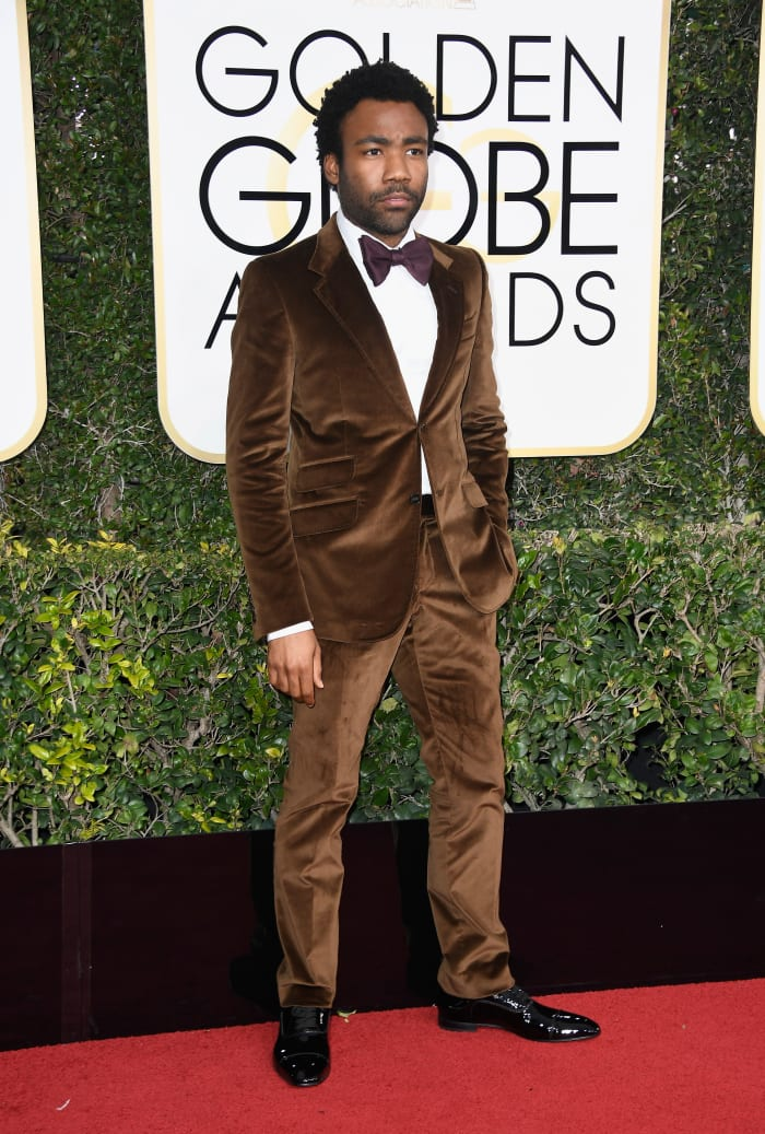 donald-glover-gucci-brown-suit-golden-globes