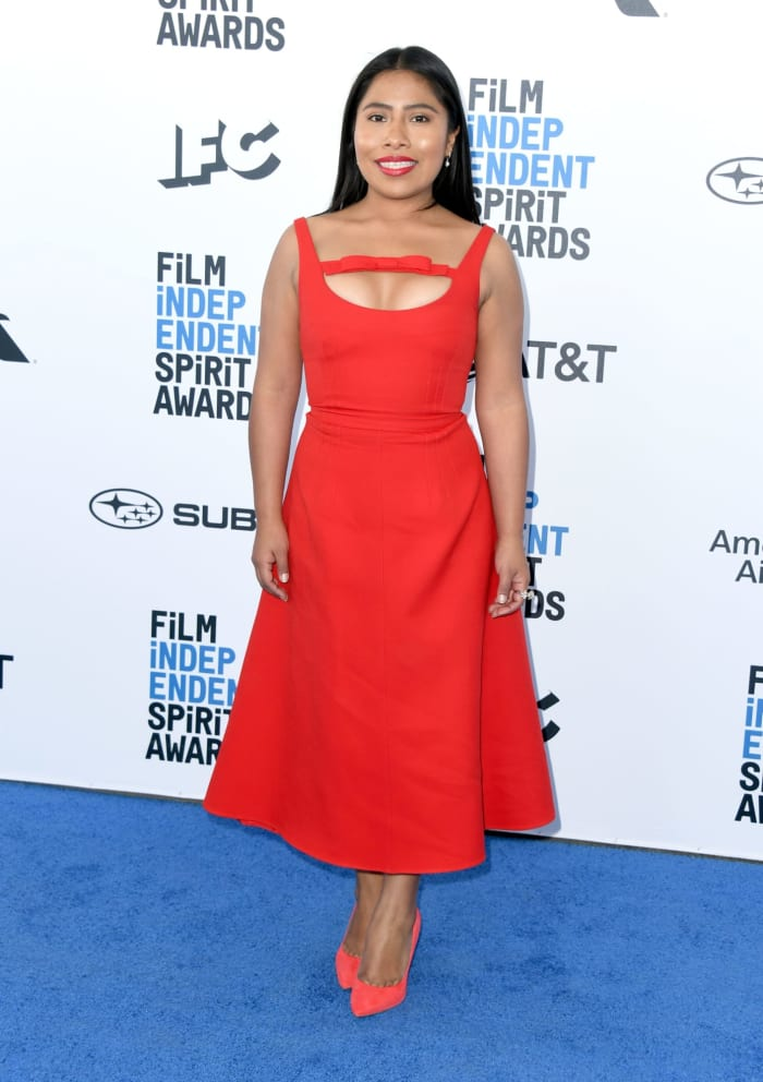 prêmios yalitza-aparicio-best-dress-independent-spirit-awards