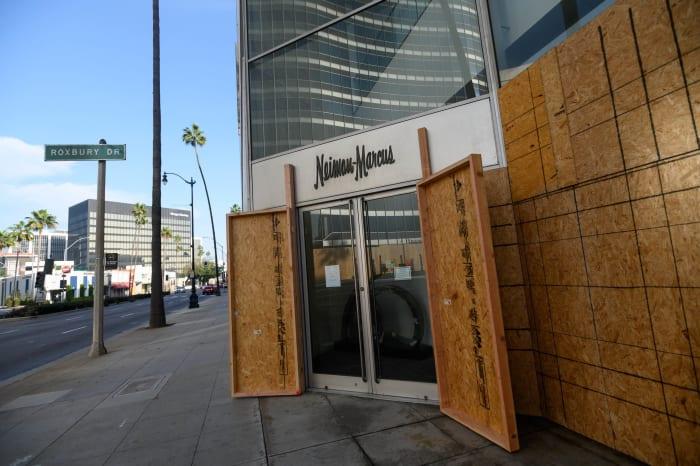 Beverly Hills embarca em lojas em meio a incertezas eleitorais
