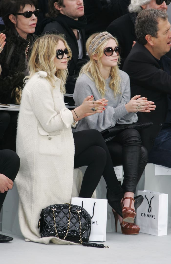 mary-kate-ashley-olsen-chanel-fall-2008-primeira fila