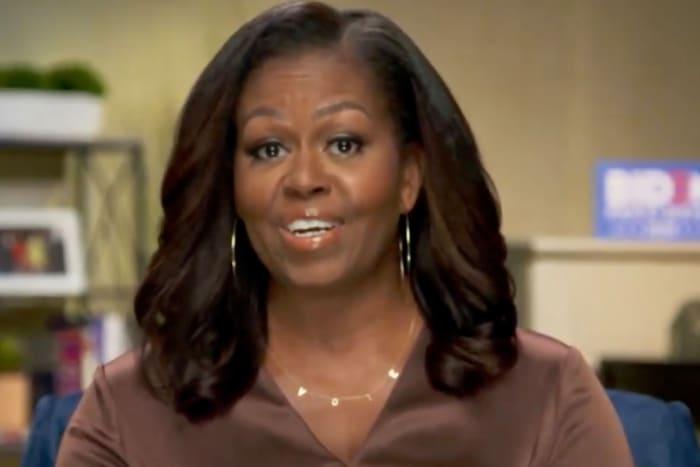michele obama vote necklace