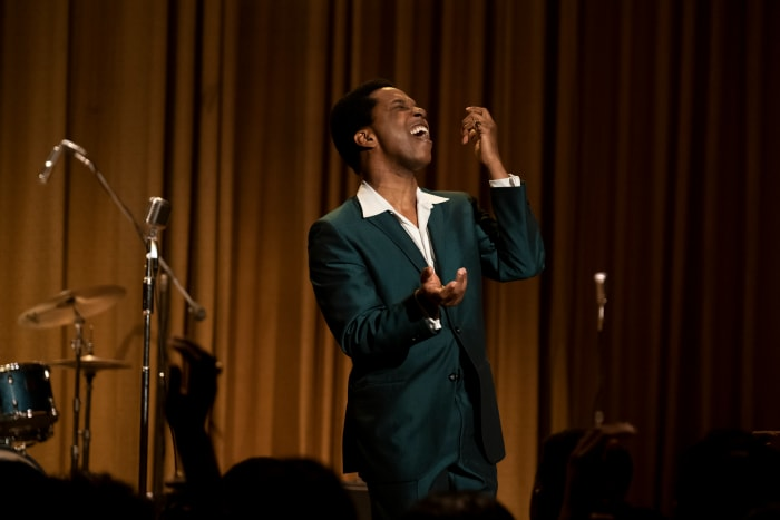 Sam Cooke canta 'A Change is Gonna Come' no 'The Tonight Show'.