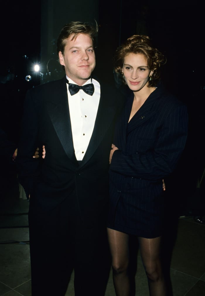 julia roberts 1991 golden globes suit