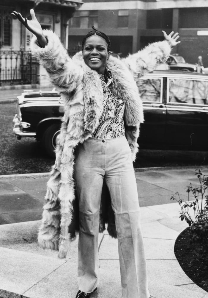 cicely-tyson-70s-outfit