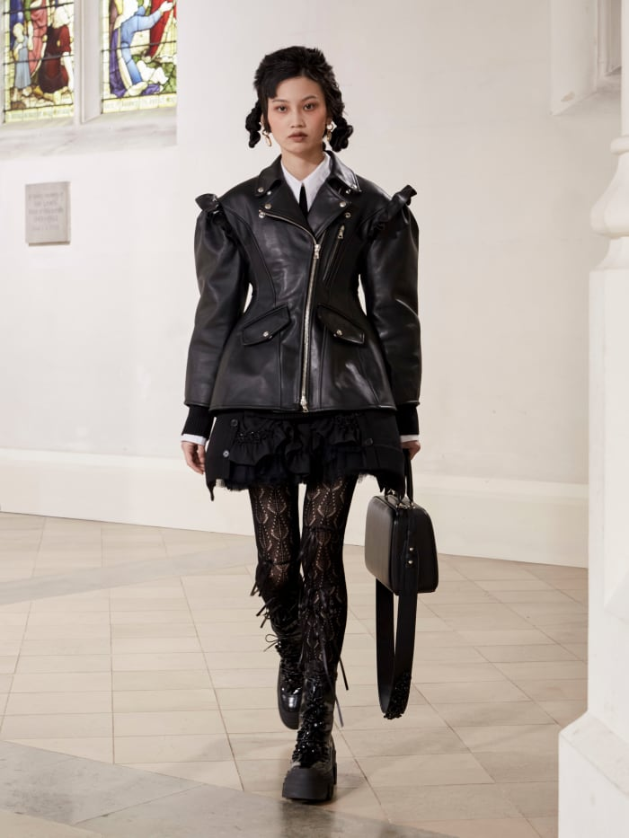 A look from the Simone Rocha Fall 2021 collection.