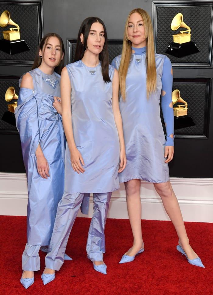 Grammys-2021-Best-Dressed-Haim-Prada