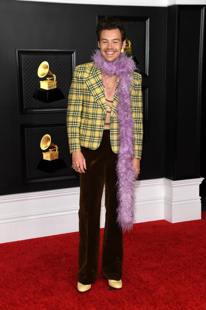 Grammys-2021-Best-Dressed-Harry-Styles-Gucci-2
