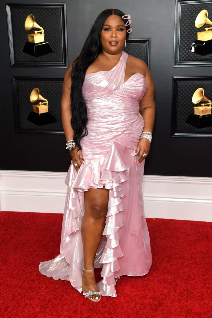 Grammys-2021-Best-Dressed-Lizzo-Balmain-2