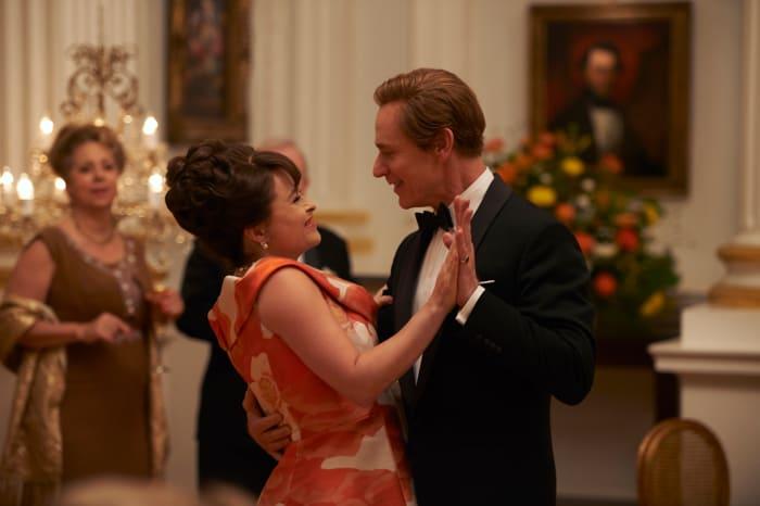 Princess Margaret (Helena Bonham Carter) and Tony (Ben Daniels) visit the White House.