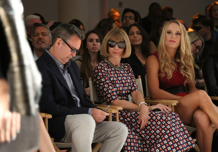 Stuart Emmrich com Anna Wintour na semana de moda.