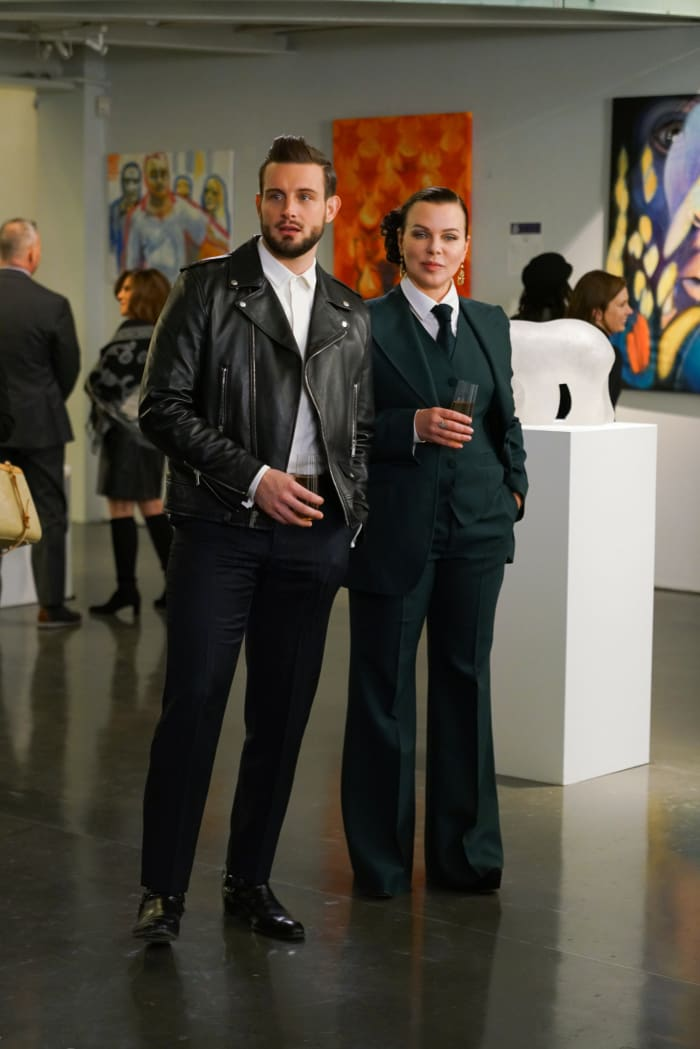 Tortorella as Josh and Mazar as Maggie, in a Gucci suit, on 'Younger.'