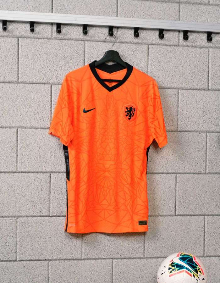 Nike-Football-The-Netherlands-National-Team-Kit-1_original