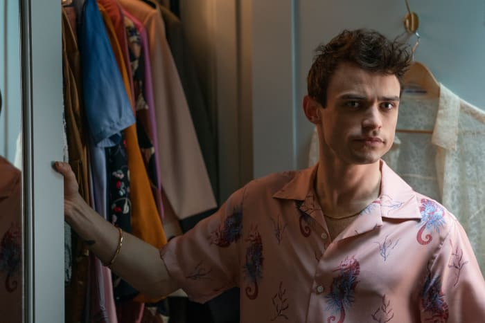 Max Wolfe (Thomas Doherty) in his colorful closet.