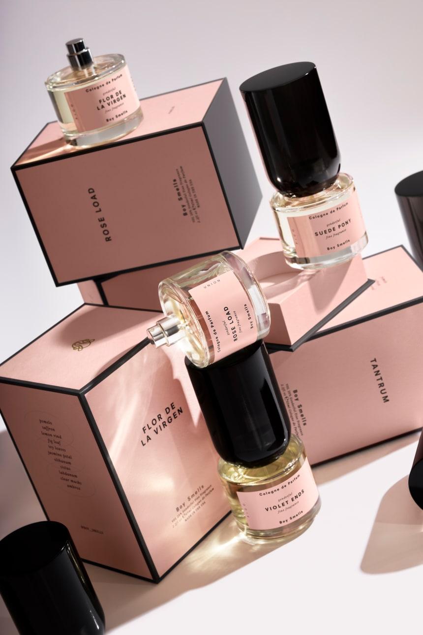 boy-smells-perfumes-5