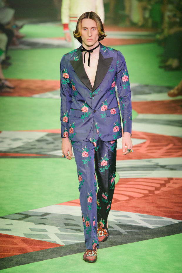 8 standout elements from the gucci men's spring 2017 show