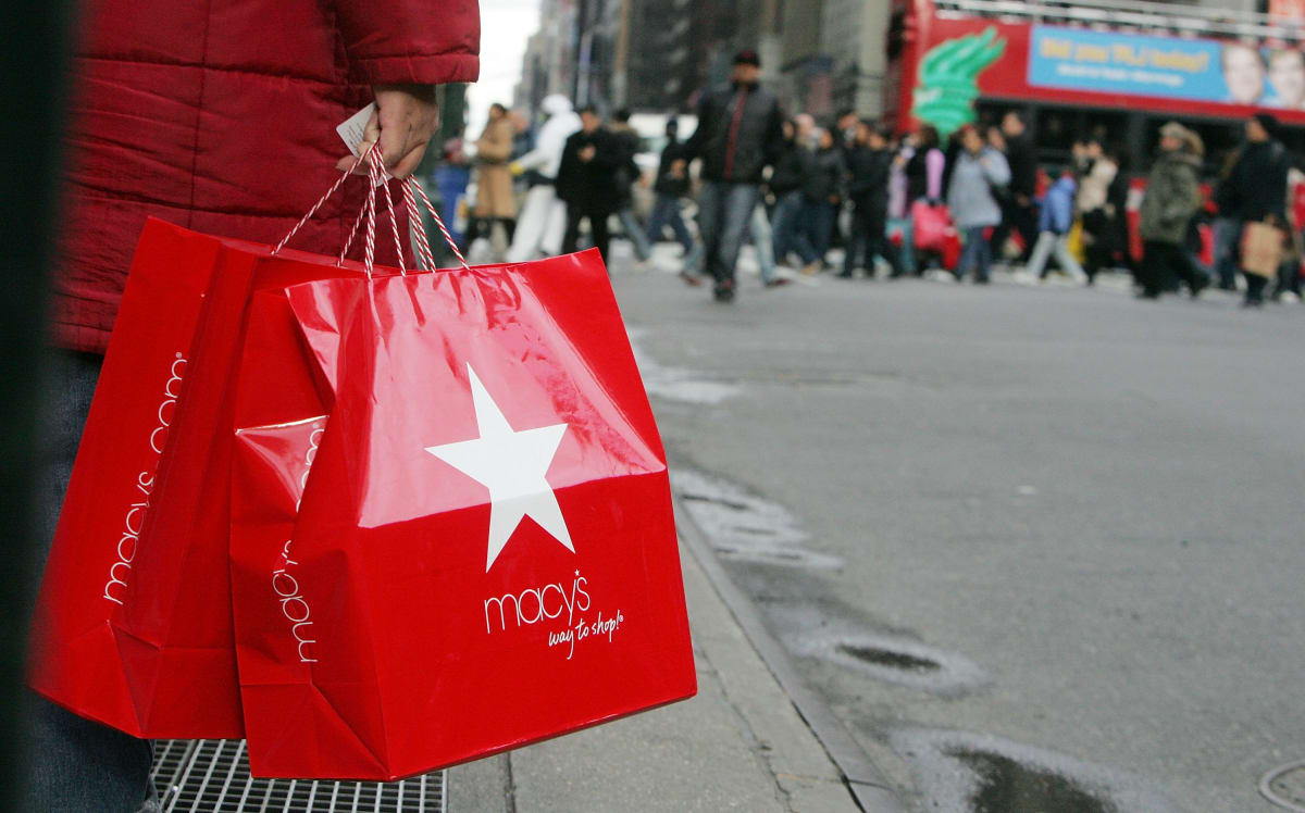 Must Read: Macy's and 'InStyle' Commit to the 15 Percent Pledge, 'Town & Country' Writes Love Letter to NYC