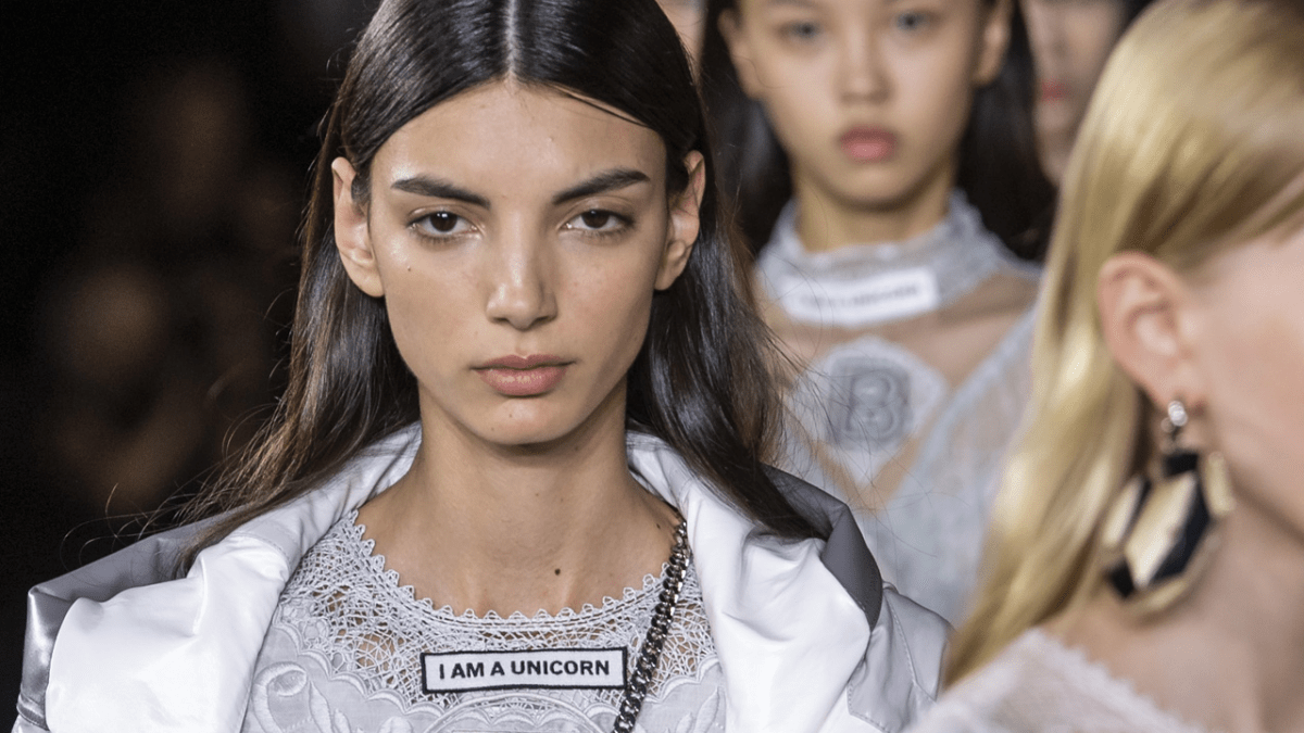 See Every Look From Burberry's Spring 2020 Collection