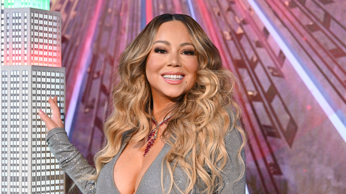 Must Read: Mariah Carey Gets Special Holiday Issue of 'Elle,' Marina Larroudé Launches Own Line