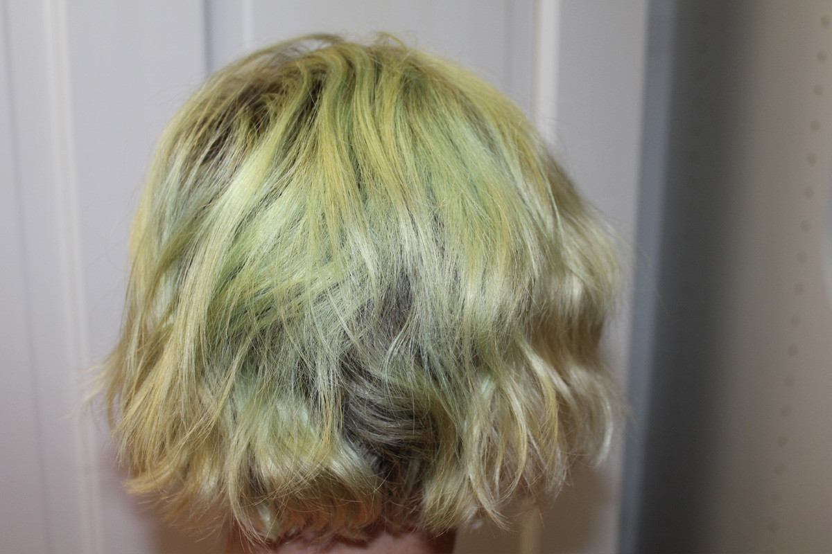 How To Fix Your Hair When It Turns Green And Youre 300 Miles Away