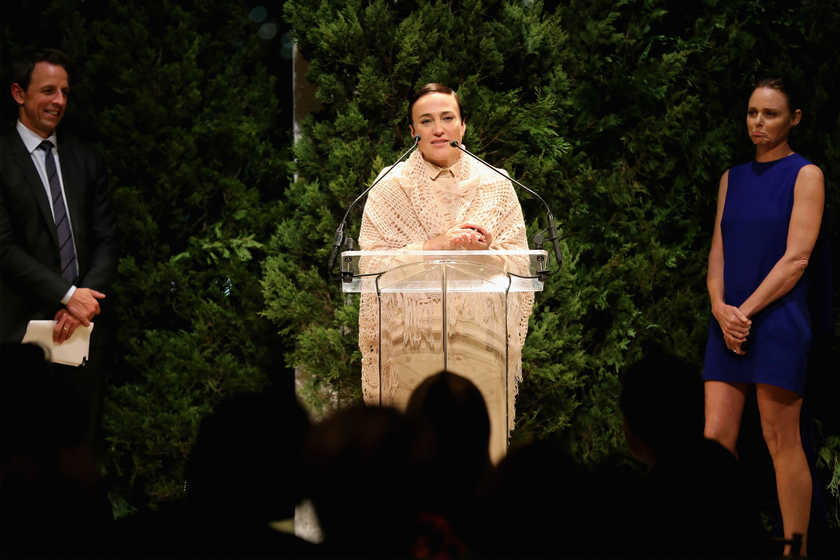 Ryan Roche accepting her CFDA/Vogue Fashion Fund award in November 2014. Photo: Neilson Barnard for Getty