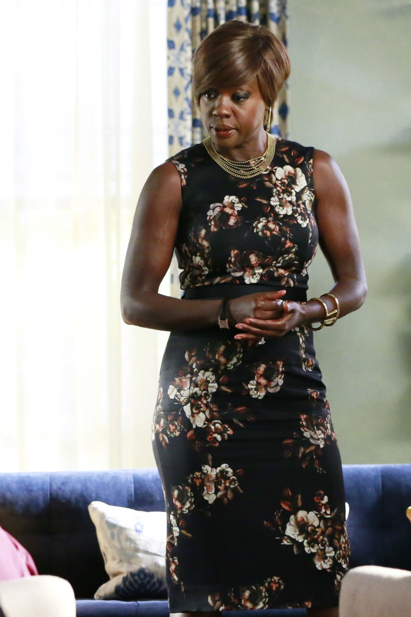 Annalise Keating In Her Signature Bodycon Shift Dress And Fullon  Accessories Game