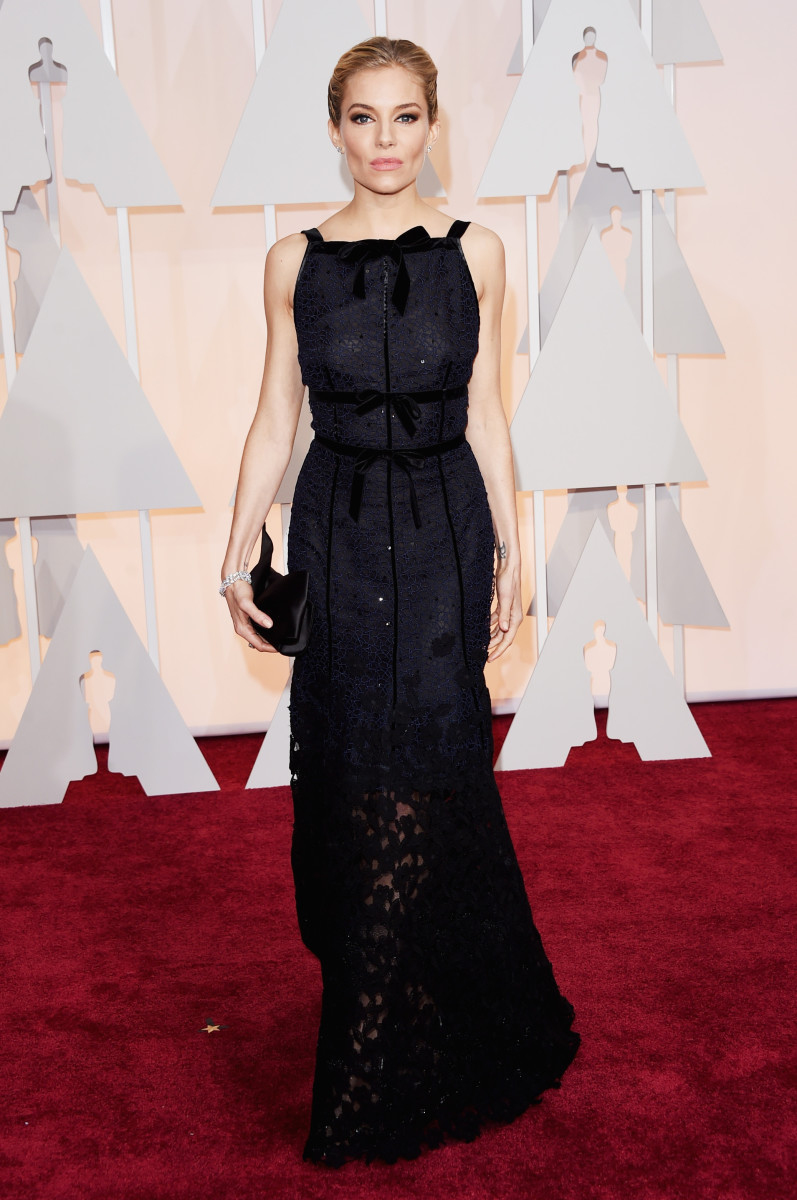 Sienna Miller in Oscar de la Renta by Peter Copping. Photo: Jason Merritt/Getty Images