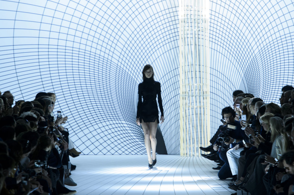 The opening look at Thierry Mugler's fall 2015 collection, designed by David Koma. Photo: Imaxtree