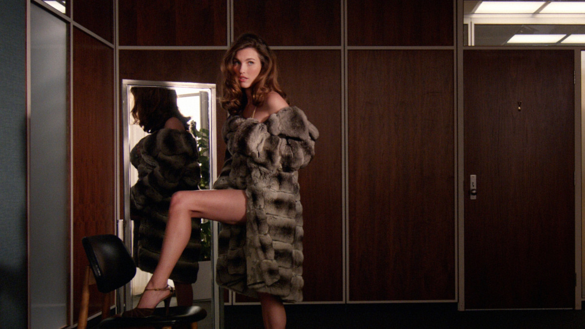 "Rainey Qualley plays a young model in a chinchilla coat on ""Mad Men."" Photo: AMC"