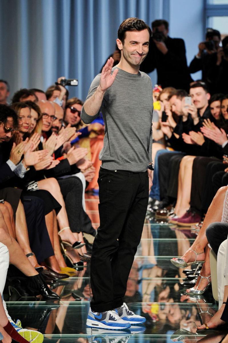 Louis Vuitton designer Nicolas Ghesquière waves at the end of the 2015 resort show. Photo: Louis Vuitton