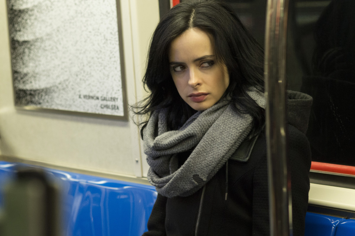 Jessica Jones (Krysten Ritter) accessorizes with a Yeezy-style scarf. Photo: Myles Aronowitz/Netflix