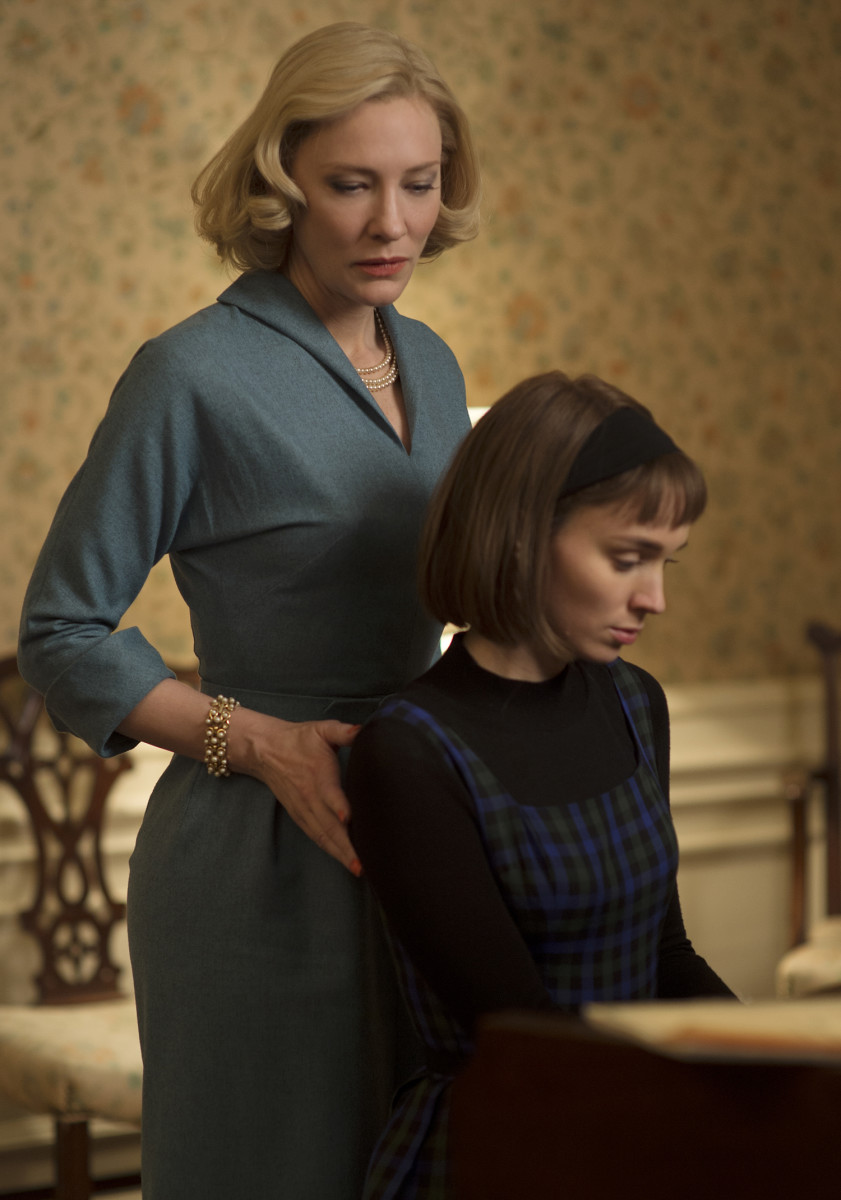 Carol and Therese have a moment. Photo: 2015 The Weinstein Company