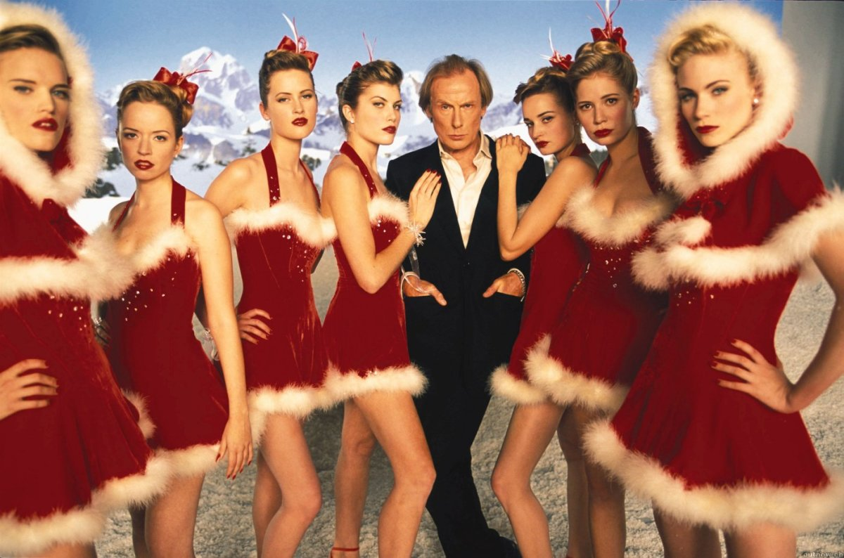 "Holiday manis on point in everyone's favorite (terrible) holiday film, ""Love Actually."" Photo: Universal Pictures"